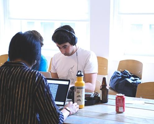 projektarbeiten-im-studium-erfolgreich-ablegen